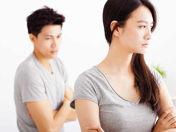 Chồng muốn nhà tôi gánh hết việc mổ của mẹ, không chịu nhờ anh chị