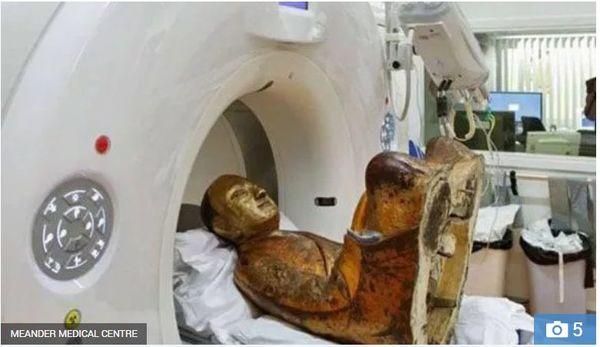 Giải mã tượng Phật 1.000 năm tuổi chứa xác ướp nhà sư chết trong thiền định - 2