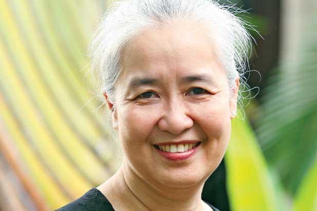 Nguyễn Dzoãn Cẩm Vân - 'huyền thoại' màn ảnh nhỏ giúp thổi lửa bao gian bếp gia đình Việt bất ngờ xuất gia ở tuổi 65 - 4
