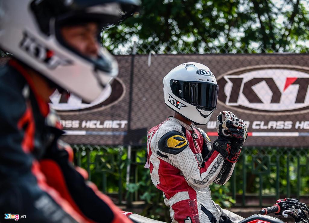 Nóng bỏng giải đua môtô hợp pháp đầu tiên ở Hà Nội