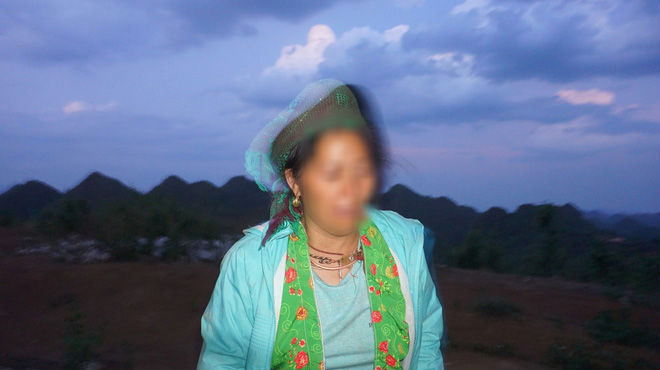 Mẹ KTV oà khóc trước sự việc con trai bị tố hiếp dâm bé gái 13 tuổi: 'Con gây ra chuyện thì cha mẹ cũng có một phần trách nhiệm' - 2