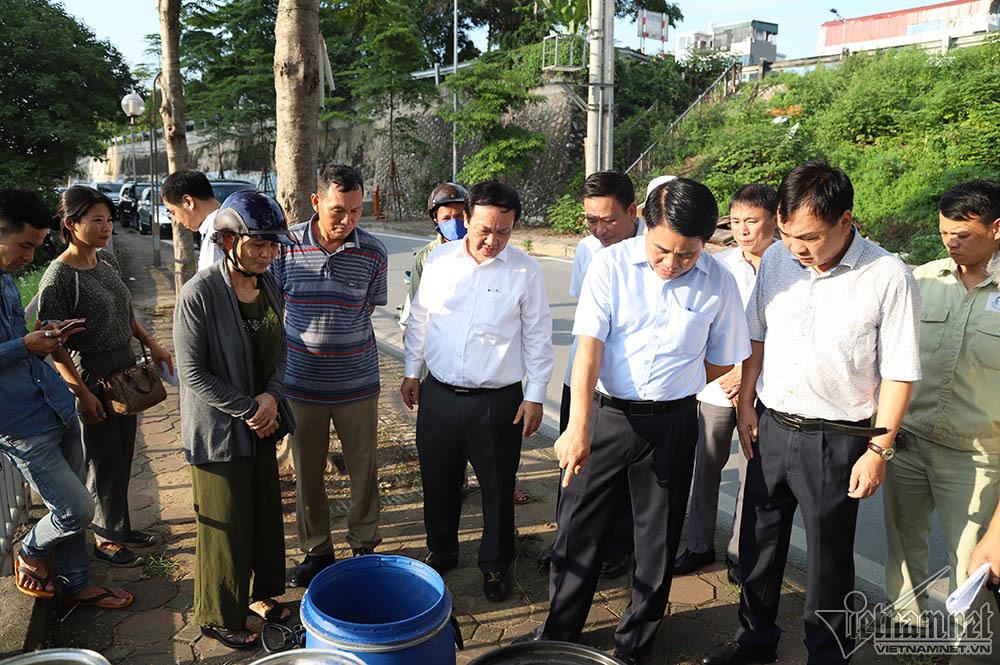 Chủ tịch Hà Nội kiểm tra nước sông Tô Lịch bằng công nghệ châu Âu - 1