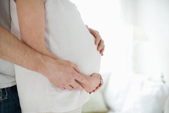 Thực hư việc sợ sinh non, vợ bầu tháng cuối thai kỳ một mực muốn 'cấm vận' chồng - 1