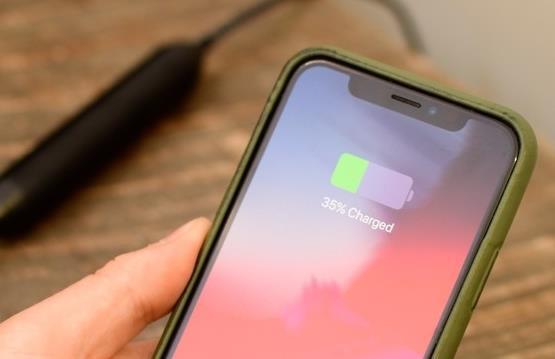 Những sai lầm khi sạc 'giết chết' chiếc iPhone của bạn - 5