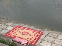 Hà Nội: Đi tập thể dục, người dân bàng hoàng phát hiện thi thể người đàn ông nổi lập lờ trên hồ Ngọc Khánh