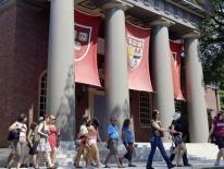 Bộ Tư pháp Mỹ tố Harvard phân biệt đối xử với sinh viên gốc Á