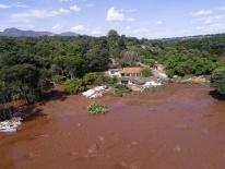 Bùn đỏ nhấn chìm thành phố sau sự cố vỡ đập ở Brazil