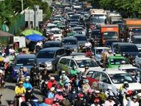 Video, ảnh: Kẹt xe khắp các ngả vào sân bay Tân Sơn Nhất dịp cận Tết