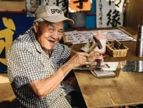 Những căn tiệm 'muôn năm cũ' xứ Hương Cảng có làm bạn nhớ về một thời miệt mài luyện phim bộ TVB?