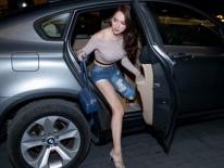 Hoa hậu Chuyển giới Hương Giang giàu có cỡ nào?