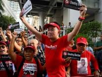 Người Thái biểu tình phản đối Ủy ban Bầu cử tại Bangkok