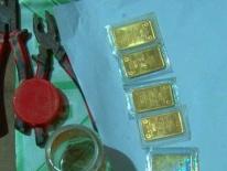 Dùng kìm cắt khóa cửa đột nhập nhà dân trộm 10 lượng vàng