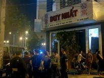 Cảnh sát bao vây khách sạn có hàng chục người nước ngoài nghi lừa đảo