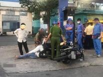Góc nghiệp quật tức thì: Trộm xe vừa đổ xăng đầy bình thì bị tóm 'không trượt phát nào'