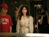 Vừa trở về từ Cannes, Ngọc Trinh gây choáng với hình ảnh 'đả nữ' bầm dập trên phim trường