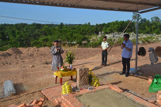 Nguyễn Phước tộc không chấp nhận di dời mộ vợ vua Tự Đức - 1