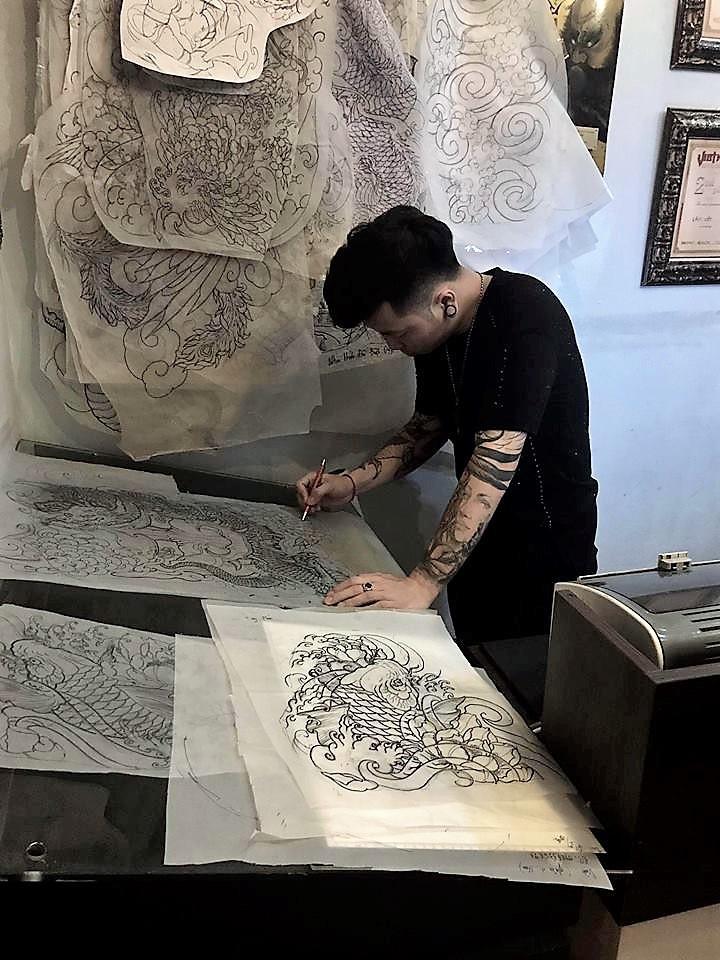 Từ chàng sinh viên tay trắng đến nghệ sĩ xăm nổi tiếng Hà thành - 3