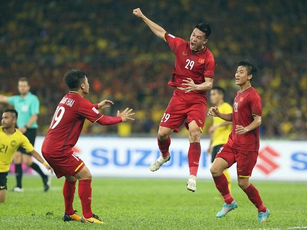 Hòa trên thế thắng tại Bukit Jalil, Việt Nam san bằng thành tích của ĐKVĐ thế giới - 1
