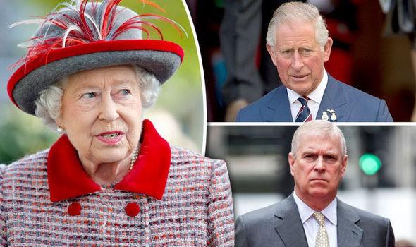 Vén màn bí mật ẩn chứa đằng sau cánh cửa cung điện hoàng gia, một mối thù âm ỉ cháy từ lâu và bắt nguồn từ Nữ hoàng Anh