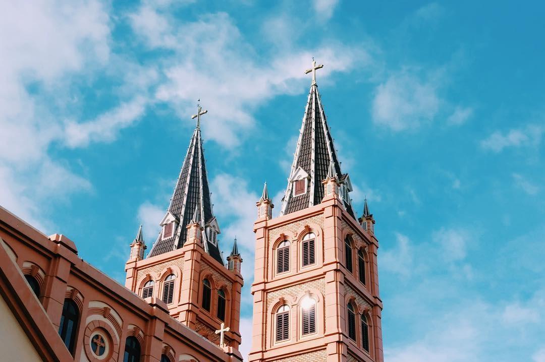 Những nhà thờ kiến trúc Pháp nổi tiếng ở Việt Nam - 8