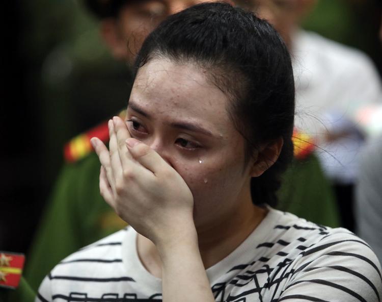 Ngọc Miu bị kết án 20 năm tù, Linh Chi bất ngờ nhắn nhủ: 'Xem video của em ở tòa, thấy em khóc tim chị như cắt ra'