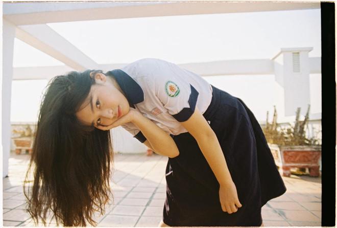 Những cô gái thu hút chú ý của dân mạng dù chỉ mặc đồng phục học sinh - 4