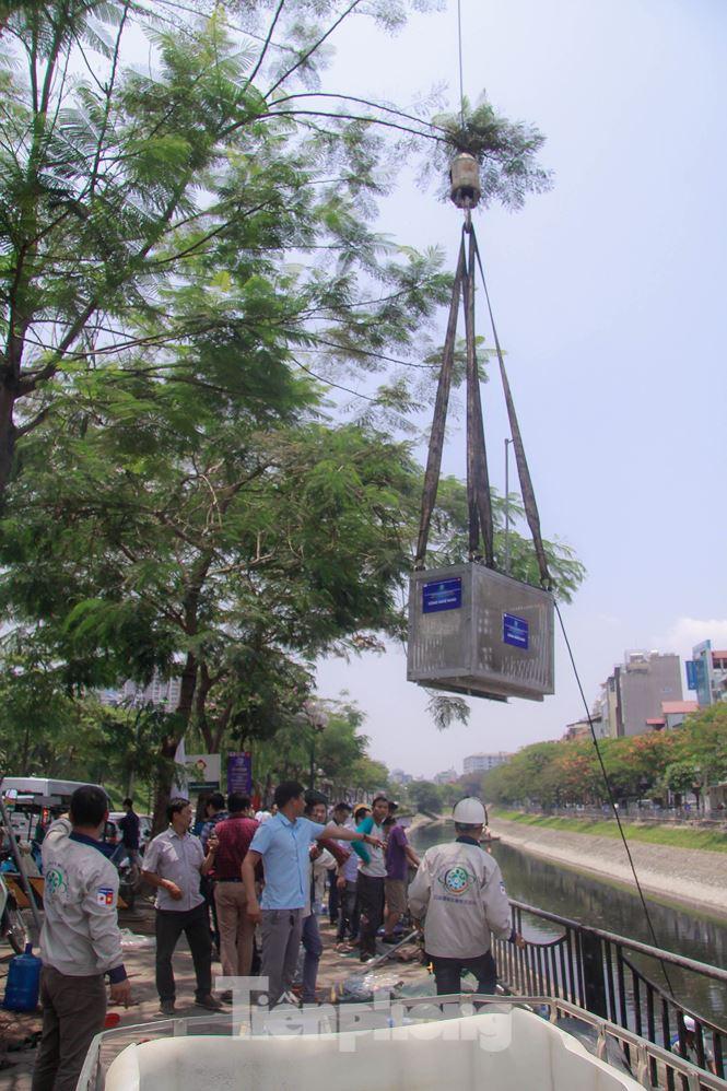 Hà Nội bắt đầu làm sạch sông Tô Lịch bằng 'bảo bối' của Nhật - 2