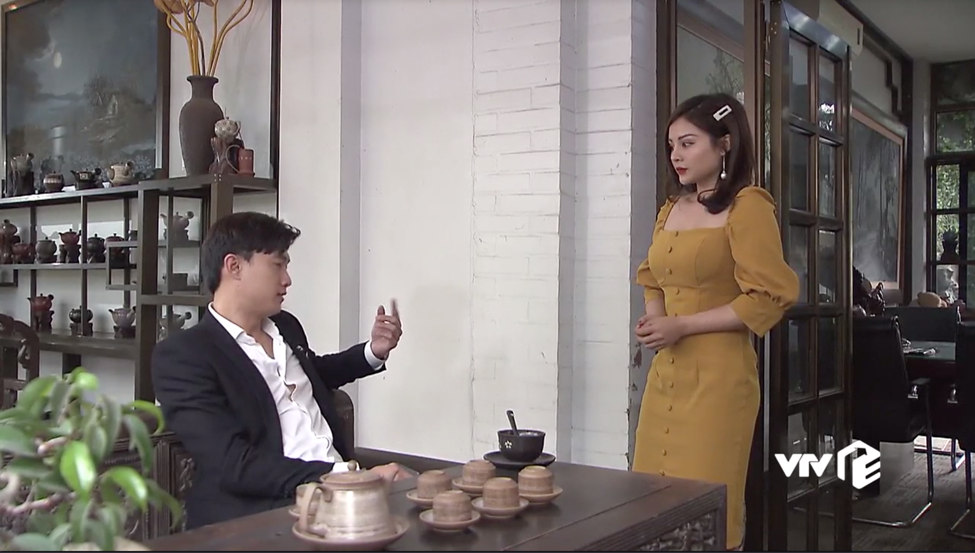 'Về nhà đi con': Sắp lấy vợ mà Vũ vẫn không bỏ thói trăng hoa, nếu không có mẹ can có lẽ đã đưa gái lạ lên giường