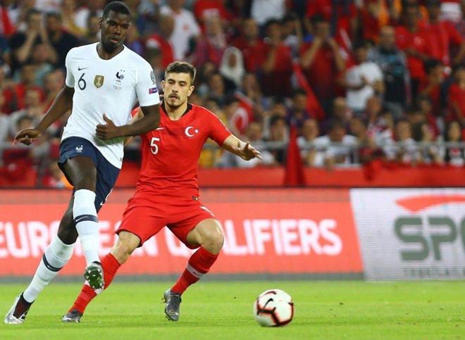 Pogba, Griezmann mờ nhạt trong trận thua của tuyển Pháp - 1