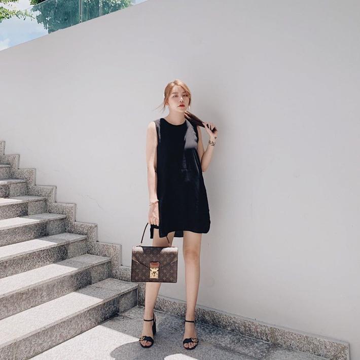Street style hot mom Việt: Ngọc Mon mặc đơn giản nhưng lại nổi bật nhất nhờ sự xuất hiện của 1 nhân vật - 12