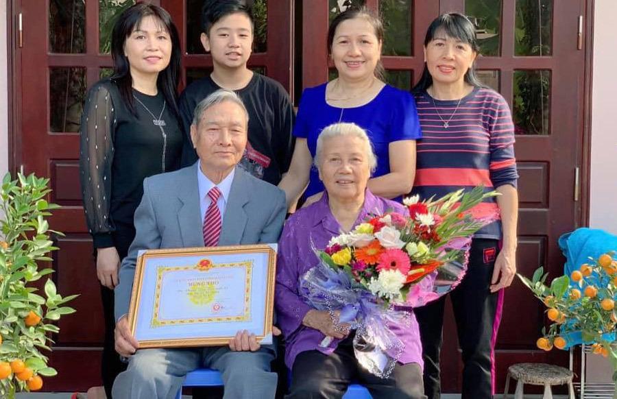 Nhật ký trào nước mắt của người con 30 năm xa xứ gửi cha - 2