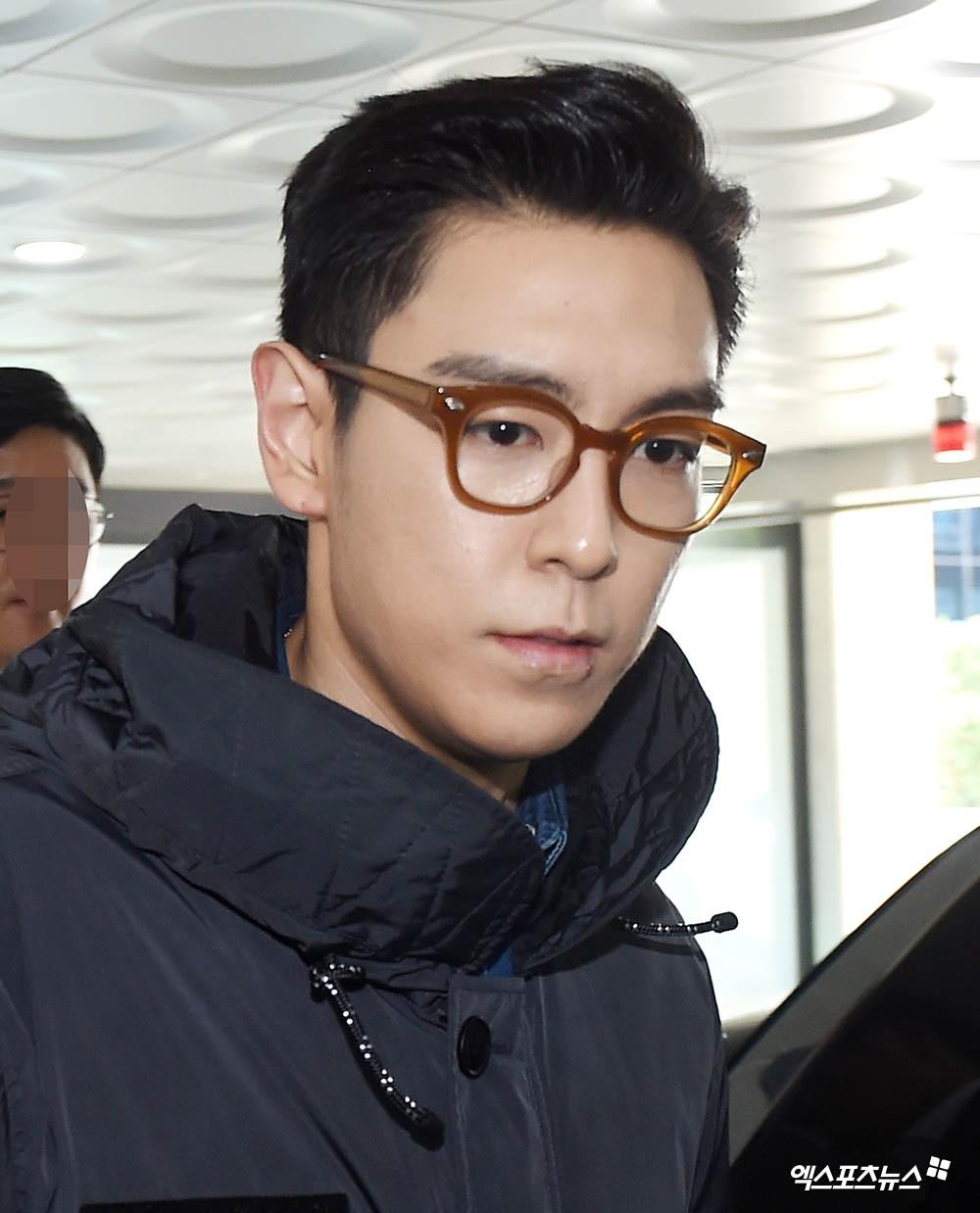 T.O.P (Big Bang) chính thức xuất ngũ sau 2 năm, xuất hiện với biểu cảm nghiêm trọng đáng chú ý - 5