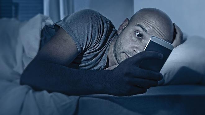 Tỉnh giấc lúc 3-4 giờ sáng rồi không thể ngủ tiếp: Bạn có thể đã mắc một trong 5 bệnh này - 4