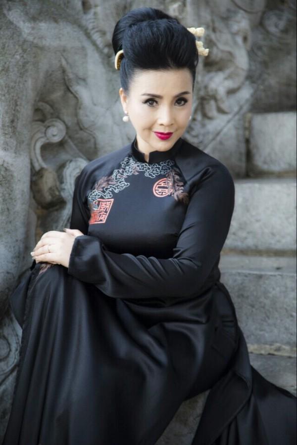 Cuộc sống thăng trầm của những bà 'mẹ chồng' trên màn ảnh phim Việt: Người 2 lần làm 'vợ lẽ', người hạnh phúc viên mãn sau 40 năm hôn nhân - 9
