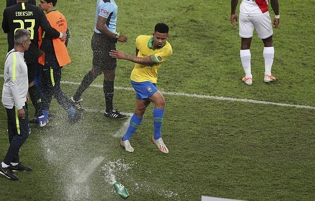 Sau Messi, đến lượt Gabriel Jesus nhận án phạt cấm thi đấu vì hành vi dại dột tại Copa America - 1