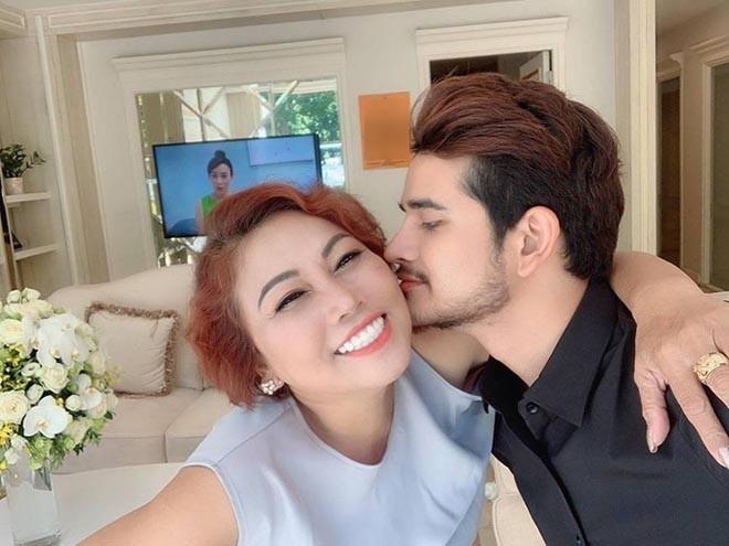 Chân dung trai trẻ lộ ảnh tình tứ bên Siu Black: Body chuẩn chỉnh, lại là 'bạn trai' một thời của Hoa hậu H'Hen Niê