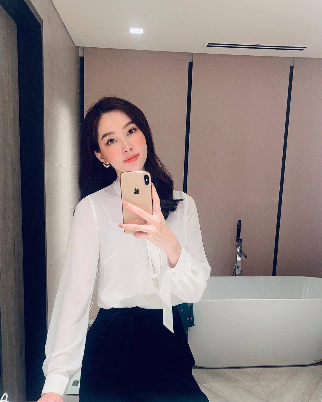 HH Thu Thảo đích thị là tín đồ của áo blouse và bạn sẽ không phải hối hận nếu học theo cô, sắm ngay 5 kiểu sau - 12