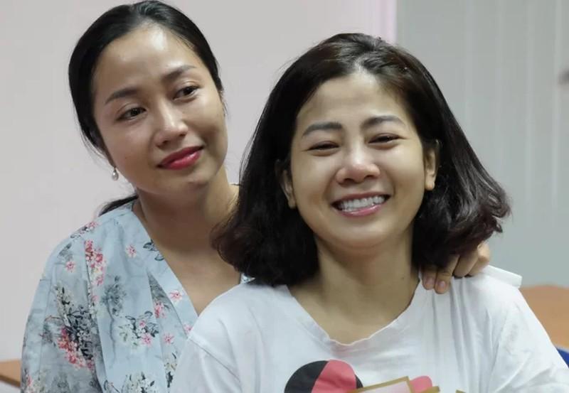 Trong khi bệnh ung thư của Mai Phương diễn biến xấu, bố của con gái cô lại làm điều vô tình khiến ai cũng bức xúc - 1
