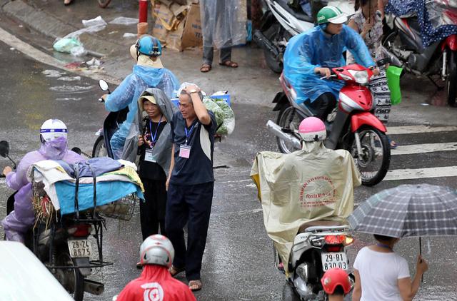 Hà Nội: Chùm ảnh đường Cầu Bươu tắc kinh hoàng từ sáng sớm đến trưa - 10