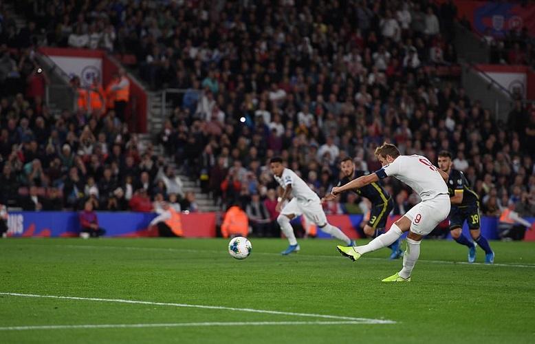 Sterling lập hattrick kiến tạo, ĐT Anh thắng ngược ấn tượng - 1
