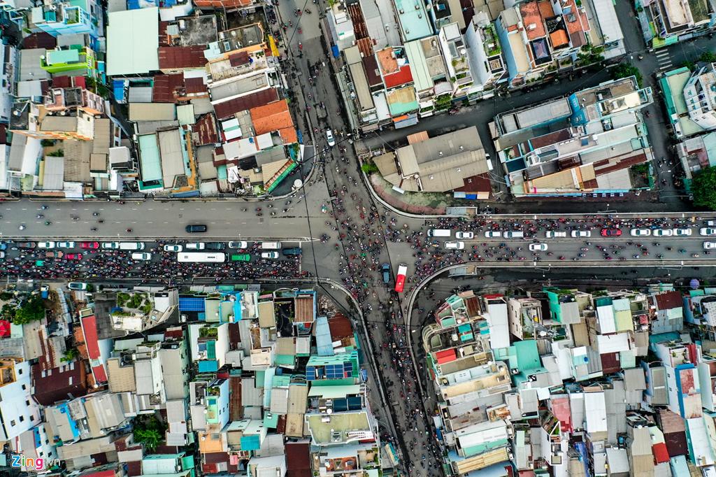 Nút thắt cổ chai gây ùn tắc ở cửa ngõ phía nam Sài Gòn - 3