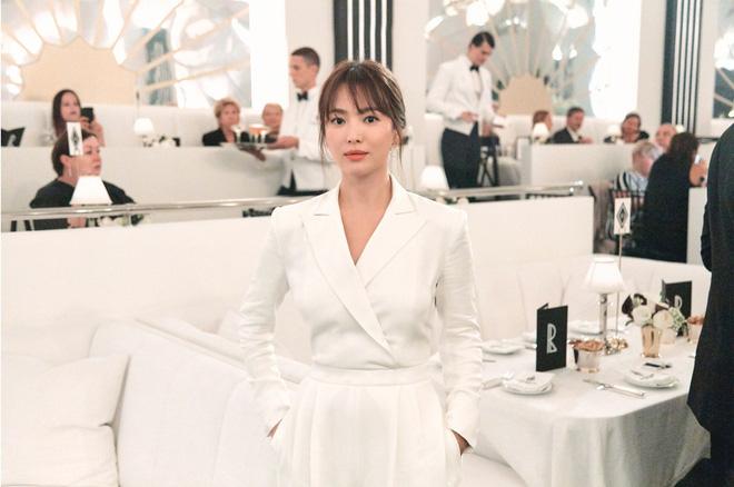 Song Hye Kyo quyết định bất ngờ hậu ly hôn: Du học tại Mỹ, tự 'điều trị' vết thương lòng vì chia tay Song Joong Ki? - 1