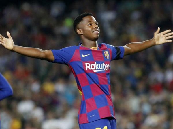 Thần đồng 16 tuổi Ansu Fati hướng đến xô đổ kỷ lục của Messi tại Champions League - 1
