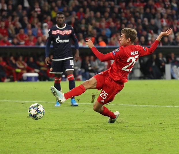 Lewandowski cán mốc 200 bàn, Bayern Munich mở tiệc tại Allianz Arena - 1