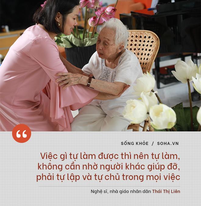 Bí quyết từ 'người mẹ vĩ đại' 102 tuổi của NSND Đặng Thái Sơn: Thể dục, thiên nhiên, nước muối... và mỹ phẩm - 3