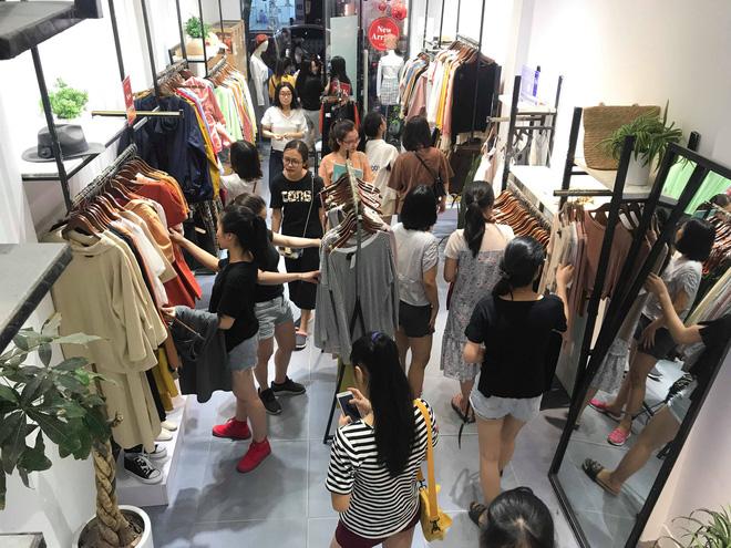 Sự thật về việc giảm giá lên đến 70% tại các cửa hàng thời trang - 5