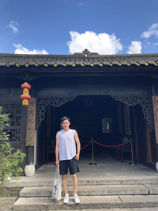 Thầy giáo tiếng Trung siêu cấp điển trai như oppa Hàn Quốc khiến hội chị em phát cuồng: Thông thạo 3 ngôn ngữ, start-up từ khi mới năm hai - 6
