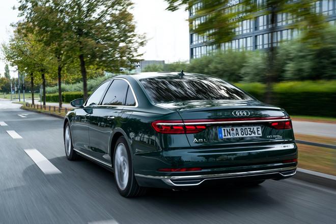 Audi lần đầu tiên ra mắt sedan hạng sang A8 plug-in hybrid - 1