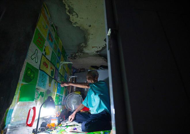 Những giấc ngủ 'nằm nghiêng' trong căn nhà 2m2 ở phố cổ Hà Nội - 2