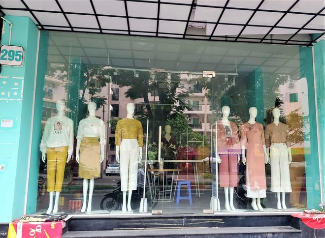 IFU đóng loạt cửa hàng giữa tâm 'bão' âm thầm tráo nhãn mác quần áo - 3